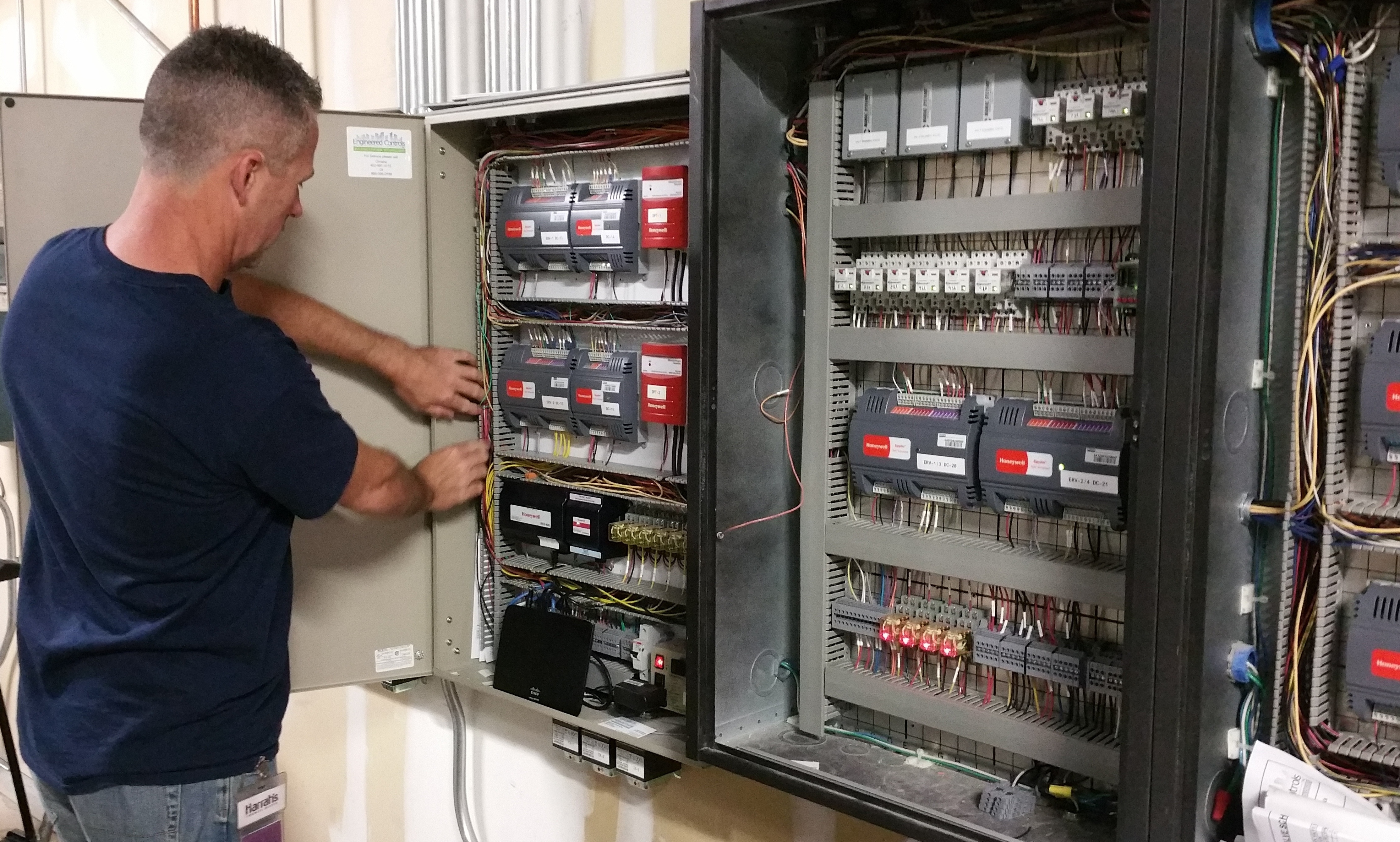 construction retrofit engineered controls building control upgrade transform and manage your buildings